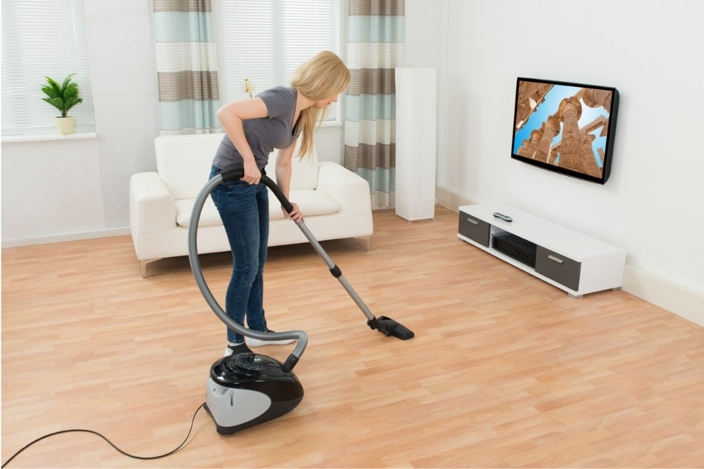 Best Vacuum For Hardwood Floors-1